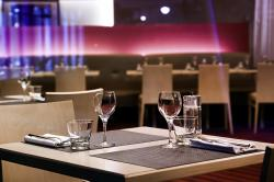 table-restaurant-novotel-2