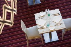 table-restaurant-novotel